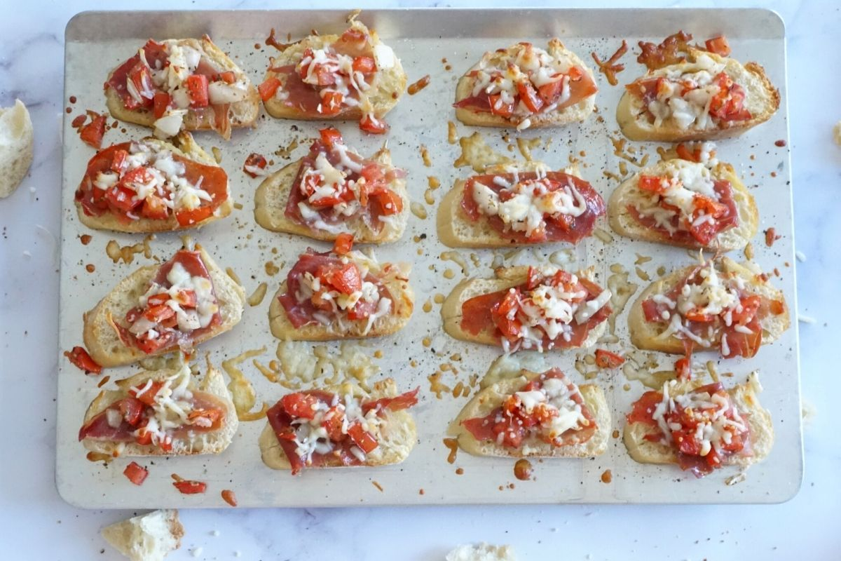 baked cheesy bruschetta