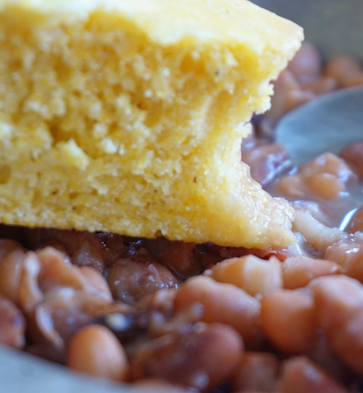cornbread with pinto soup beans