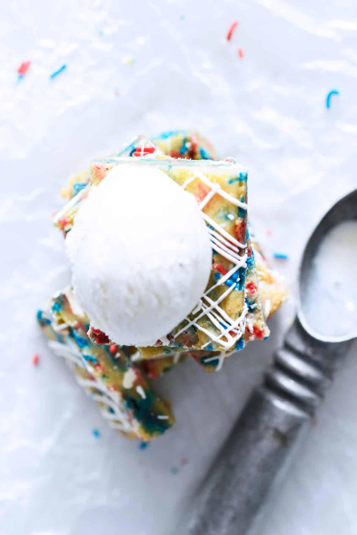 vanilla ice cream on top of blondie bars