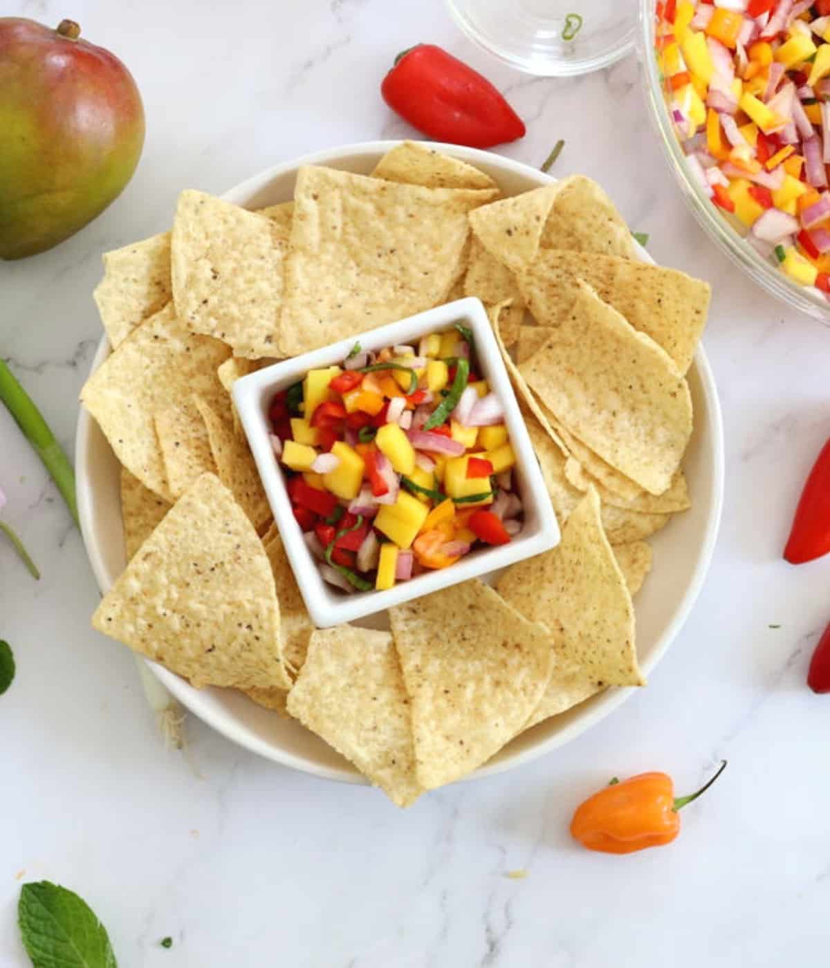 chips with mango salsa